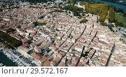 Купить «Aerial view of historic center of Beaucaire city, France», видеоролик № 29572167, снято 29 октября 2018 г. (c) Яков Филимонов / Фотобанк Лори