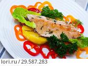Delicious roasted juicy trout fillet. Стоковое фото, фотограф Яков Филимонов / Фотобанк Лори