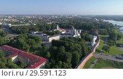 Купить «Saint Sophia Cathedral and Novgorod Kremlin», видеоролик № 29591123, снято 22 сентября 2018 г. (c) Михаил Коханчиков / Фотобанк Лори