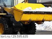 Купить «Трактор убирает снег», фото № 29595635, снято 13 февраля 2010 г. (c) Александр Гаценко / Фотобанк Лори