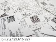 Купить «Много магазинных, кассовых чеков», эксклюзивное фото № 29616927, снято 19 декабря 2018 г. (c) Игорь Низов / Фотобанк Лори