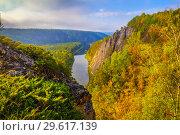 Купить «View through the mist over the valley in the Ural mountains», фото № 29617139, снято 7 сентября 2018 г. (c) Акиньшин Владимир / Фотобанк Лори