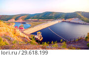 Купить «Top view of the dam of the Yumaguzinsky reservoir on the White River. Bashkortostan», фото № 29618199, снято 31 августа 2018 г. (c) Акиньшин Владимир / Фотобанк Лори