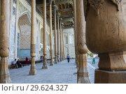 Купить «Bolo Hauz Mosque, Bukhara, Uzbekistan.», фото № 29624327, снято 24 июня 2019 г. (c) age Fotostock / Фотобанк Лори
