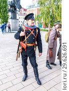 Купить «Unidentified members of historical reenactment battle», фото № 29626691, снято 6 октября 2018 г. (c) FotograFF / Фотобанк Лори