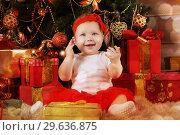 Купить «Cute little girl (eight months of age) in red», фото № 29636875, снято 16 декабря 2018 г. (c) Алексей Кузнецов / Фотобанк Лори