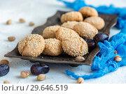 Купить «Homemade Moroccan sesame cookies», фото № 29646519, снято 5 января 2019 г. (c) Марина Сапрунова / Фотобанк Лори