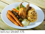 Купить «Image of plate with partridge», фото № 29647175, снято 21 марта 2019 г. (c) Яков Филимонов / Фотобанк Лори