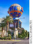 Купить «French hot air ballon at the entrance to Paris, Las Vegas, Nevada.», фото № 29649751, снято 19 ноября 2018 г. (c) age Fotostock / Фотобанк Лори