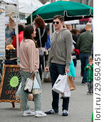 Купить «Topher Grace chats with a friend at the Farmers Market in Studio City Featuring: Topher Grace Where: Los Angeles, California, United States When: 12 Mar 2018 Credit: WENN.com», фото № 29650451, снято 12 марта 2018 г. (c) age Fotostock / Фотобанк Лори
