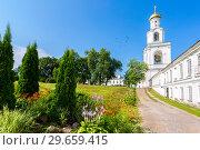 Купить «St. George (Yuriev) Orthodox Male Monastery in Veliky Novgorod, Russia», фото № 29659415, снято 17 августа 2017 г. (c) FotograFF / Фотобанк Лори