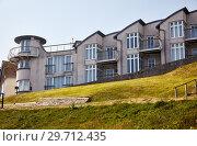 Купить «The hotel in Lyme Regis faces onto Lyme Bay. West Dorset. England.», фото № 29712435, снято 11 мая 2009 г. (c) Serg Zastavkin / Фотобанк Лори
