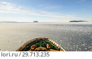 Купить «Travel on the icebreaker in the ice, Antarctica», видеоролик № 29713235, снято 28 декабря 2018 г. (c) Vladimir / Фотобанк Лори