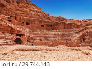 View of the amphitheatre in Petra, the capital of the Nabatean Kingdom, Jordan (2012 год). Стоковое фото, фотограф Наталья Волкова / Фотобанк Лори