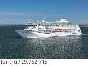 Купить «Круизное судно Birka Stockholm в начале Стокгольмского архипелага, Швеция», фото № 29752715, снято 1 июня 2018 г. (c) Михаил Марковский / Фотобанк Лори
