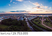 SAINT-PETERSBURG Russia: beautiful Top view of historic city centre St. Petersburg an the field of Mars, summer garden and the Neva river from the air, on a Sunny summer day. (2018 год). Стоковое фото, фотограф Алексей Ширманов / Фотобанк Лори