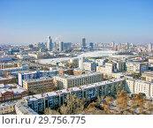 Купить «Городской пейзаж. Вид сверху. Екатеринбург», фото № 29756775, снято 27 февраля 2012 г. (c) Сергей Афанасьев / Фотобанк Лори