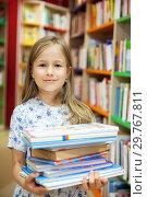Купить «girl with books in library.», фото № 29767811, снято 21 ноября 2019 г. (c) Дарья Филимонова / Фотобанк Лори