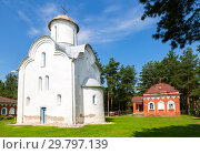 Купить «Church of the Nativity of the Theotokos on Peryn Skete in Veliky Novgorod, Russia», фото № 29797139, снято 17 августа 2017 г. (c) FotograFF / Фотобанк Лори