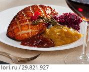 Купить «Fried duck breast Magre served with pickled cabbage, caramelized onions and jam», фото № 29821927, снято 20 марта 2019 г. (c) Яков Филимонов / Фотобанк Лори