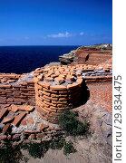 Ruins, archaeological area of Villa Giulia, Ventotene island, Lazio, Italy. Стоковое фото, фотограф Giorgio Mesturini / age Fotostock / Фотобанк Лори