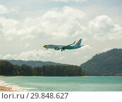 Купить «Boeing 737 flies in the sky», фото № 29848627, снято 27 ноября 2016 г. (c) Игорь Жоров / Фотобанк Лори