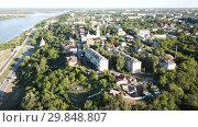 Купить «Panoramic aerial view historical part of the Murom with Oka, Russia», видеоролик № 29848807, снято 28 июня 2018 г. (c) Яков Филимонов / Фотобанк Лори