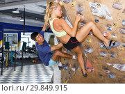 Купить «Couple of climbers on joint workout», фото № 29849915, снято 16 июля 2018 г. (c) Яков Филимонов / Фотобанк Лори