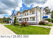 Купить «Raifa Bogoroditsky monastery. Pilgrim hotel in summer day», фото № 29851583, снято 11 июня 2018 г. (c) FotograFF / Фотобанк Лори