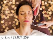 Купить «woman having hydradermie facial treatment in spa», фото № 29874259, снято 26 января 2017 г. (c) Syda Productions / Фотобанк Лори