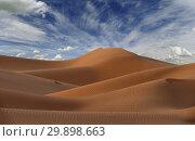 Купить «Big sand dunes in desert», фото № 29898663, снято 12 февраля 2018 г. (c) Михаил Коханчиков / Фотобанк Лори