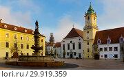 Main Square building in old historic city Bratislava (2017 год). Стоковое фото, фотограф Яков Филимонов / Фотобанк Лори