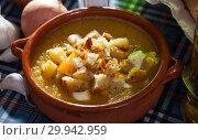 Купить «Cream soup with croutons and cheese», фото № 29942959, снято 24 апреля 2019 г. (c) Яков Филимонов / Фотобанк Лори