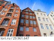 Old living houses in Altstadt, Hamburg (2018 год). Стоковое фото, фотограф EugeneSergeev / Фотобанк Лори