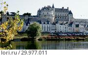 Купить «View of Royal castle Chateau de Amboise on river Loire, France», видеоролик № 29977011, снято 27 октября 2018 г. (c) Яков Филимонов / Фотобанк Лори