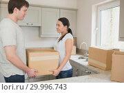 Купить «Relocating couple», фото № 29996743, снято 29 июня 2012 г. (c) Wavebreak Media / Фотобанк Лори