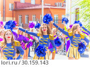 Russia, Samara, August 2018. Girls from the support group at the Festival of Flowers. Редакционное фото, фотограф Акиньшин Владимир / Фотобанк Лори