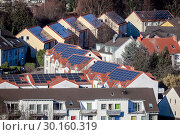 Купить «Solar settlement in Bottrop, Ruhr area, Germany, Europe», фото № 30160319, снято 20 января 2019 г. (c) Caro Photoagency / Фотобанк Лори