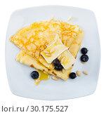 Купить «Crepes with brie and honey», фото № 30175527, снято 9 июля 2020 г. (c) Яков Филимонов / Фотобанк Лори