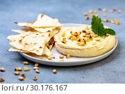 Homemade traditional spread hummus. Стоковое фото, фотограф Марина Сапрунова / Фотобанк Лори