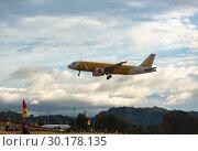 Купить «Airbus landing and approach on Phuket», фото № 30178135, снято 29 ноября 2016 г. (c) Игорь Жоров / Фотобанк Лори