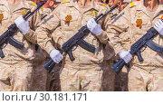 Купить «Russia Samara May 2018: Soldiers with automatic weapons.», фото № 30181171, снято 5 мая 2018 г. (c) Акиньшин Владимир / Фотобанк Лори