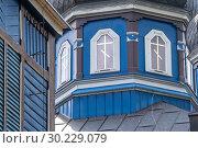 Купить «Windows wrap around steeple of blue Russian Orthodox Church in the 'Land of the Open Shutters, Puchly, Poland.», фото № 30229079, снято 24 июня 2018 г. (c) age Fotostock / Фотобанк Лори