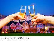 Купить «San Francisco background with glasses of champagne», фото № 30235355, снято 14 апреля 2015 г. (c) Сергей Новиков / Фотобанк Лори