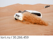 Driving in the desert in a Toyota Landcruiser. Стоковое фото, фотограф Andre Maslennikov / age Fotostock / Фотобанк Лори