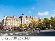 Купить «Городской пейзаж. Ранняя осень. Солнечно. Хельсинки. Финляндия», фото № 30267343, снято 20 сентября 2018 г. (c) E. O. / Фотобанк Лори