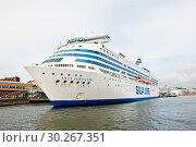 Купить «Silja Line. Cолнечный день ранней осенью. Хельсинки. Финляндия», фото № 30267351, снято 20 сентября 2018 г. (c) E. O. / Фотобанк Лори