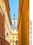 Купить «Old street in Toledo», фото № 30267463, снято 10 мая 2012 г. (c) Роман Сигаев / Фотобанк Лори