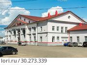Купить «Смоленская область, город Вязьма, железнодорожный вокзал», фото № 30273339, снято 3 июня 2018 г. (c) glokaya_kuzdra / Фотобанк Лори