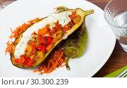 Купить «Eggplant with vegetable stew in sour cream», фото № 30300239, снято 26 марта 2019 г. (c) Яков Филимонов / Фотобанк Лори